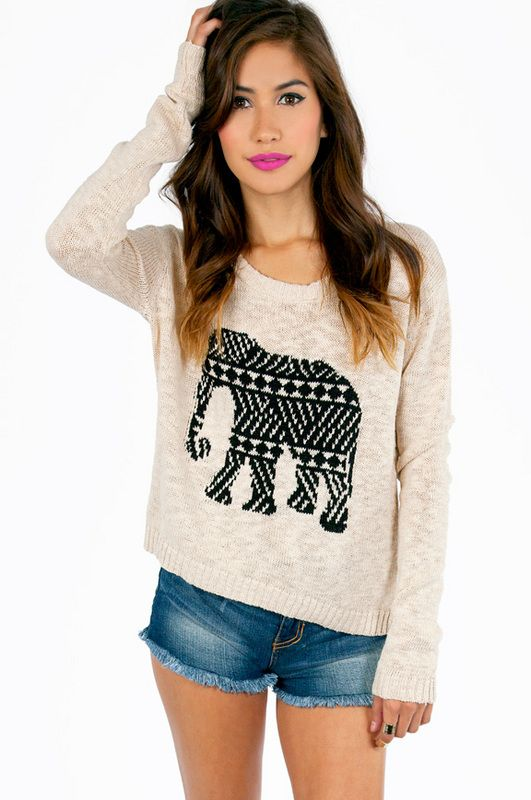 ELEPHANT SWEATER.- I'd so wear that!  http://socialmediabar.com/get-started-right-now ~S