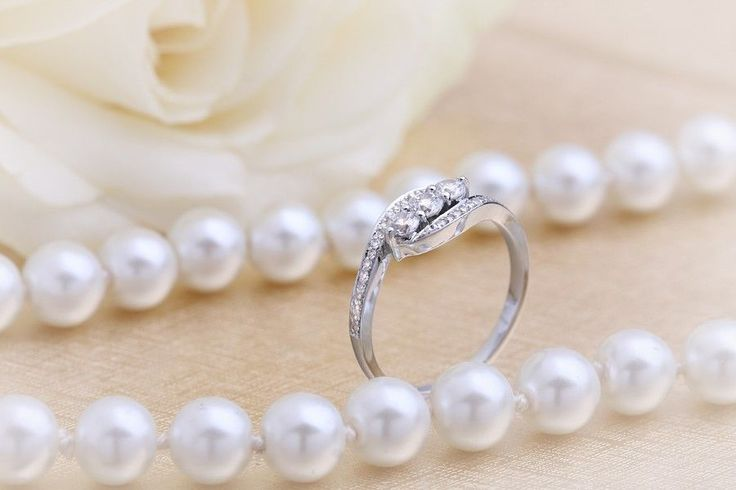 14k White Gold 3 Stones Engagement Wedding Ring Real Diamond  0.35 Ct Round Cut  #JewelsForum #SolitairewithAccents