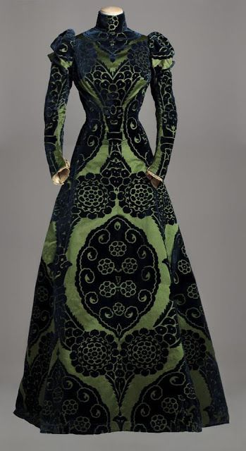 Retro Rack: French Outfits: Green Day Dress Variation // Tea Dress by Charles F Worth circa 1895