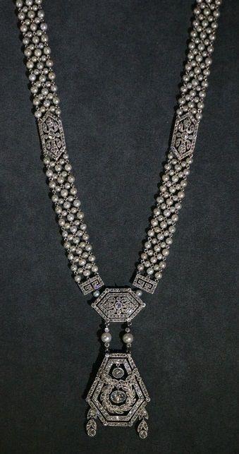 Cartier Sautoir, 1907, platinum, diamonds, pearls. From the Cartier Collection.