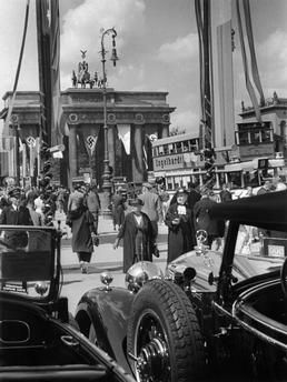 La Porte de Brandebourg à Berlin lors des Jeux Olympiques de 1936