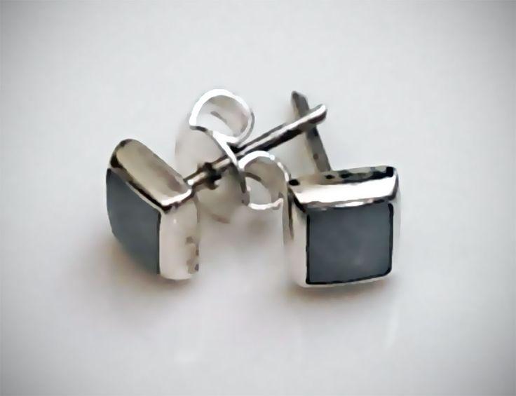 Par de Aretes de Plata .925 Cuadrados con resina blanca  6mm