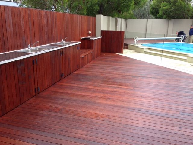 Decking tinted to Merbau with Quantum Timbre Finishes TIMBREPLUS DECKING