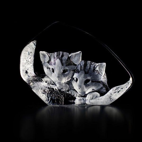 Cat Pair Crystal Sculpture | Mats Jonasson Cat Pair Crystal | Maleras
