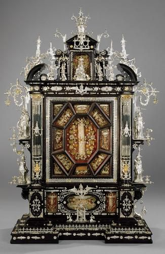 This is the only surviving example of an ostensory by Walbaum made c1600, and can be ranked as one of his finest and most magnificent works.  Now in the Ecclesiastical Treasury in Vienna