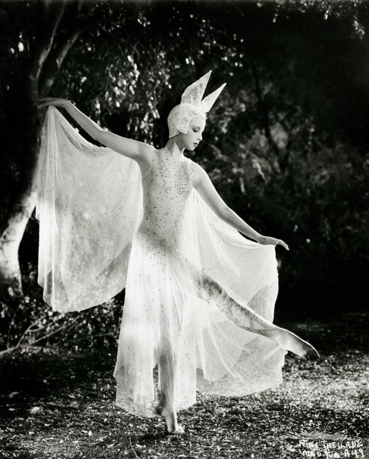 Nini Theilade in Max Reinhardt and William Dieterle's 'A Midsummer Night's Dream' (1935)