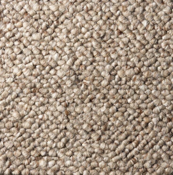 Vacker slitstark matta med ullkvalitet som är naturligt smutsavvisande. Måttbeställd, dvs går att anpassa perfekt efter övrig inredning och rummets storlek. Pris anges per m2.