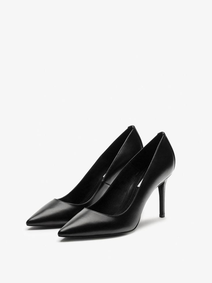 pointed heels @massimodutti CZARNE CZÓŁENKA ZE SKÓRY NAPPA z działu KOBIETA - Buty - Buty na obcasie od Massimo Dutti na sezon Jesień Zima 2016 za 399. Naturalna elegancja!