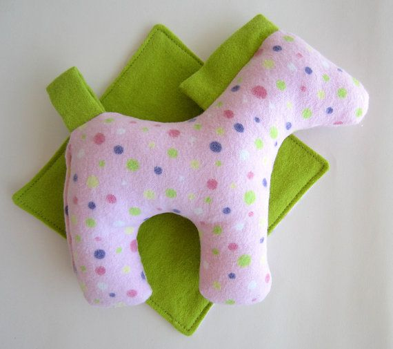Dixie the horse is quick and easy to make. You can make a whole stable full of horses to keep, give as gifts or even sell!  This PDF sewing pattern gives instructions for horse and blanket.  The horse is 6 high x 7 wide. Blanket is about 5 square.  Dixie makes an excellent soft toy for small children. Her tail is a convenient loop, ready to hang from a stroller or car seat. There are no buttons or loose pieces to come off. Shes easy to clean too, machine washable. Toddlers and elementary…