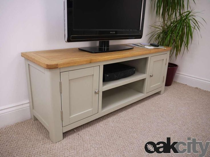 Made using a mixture of painted wood with a lightly oiled oak top, the Aspen large TV stand is perfect for any style of home. The large painted grey TV unit in the Aspen range from Oak City is the largest TV stand within the Aspen range available at Oak City.   eBay!