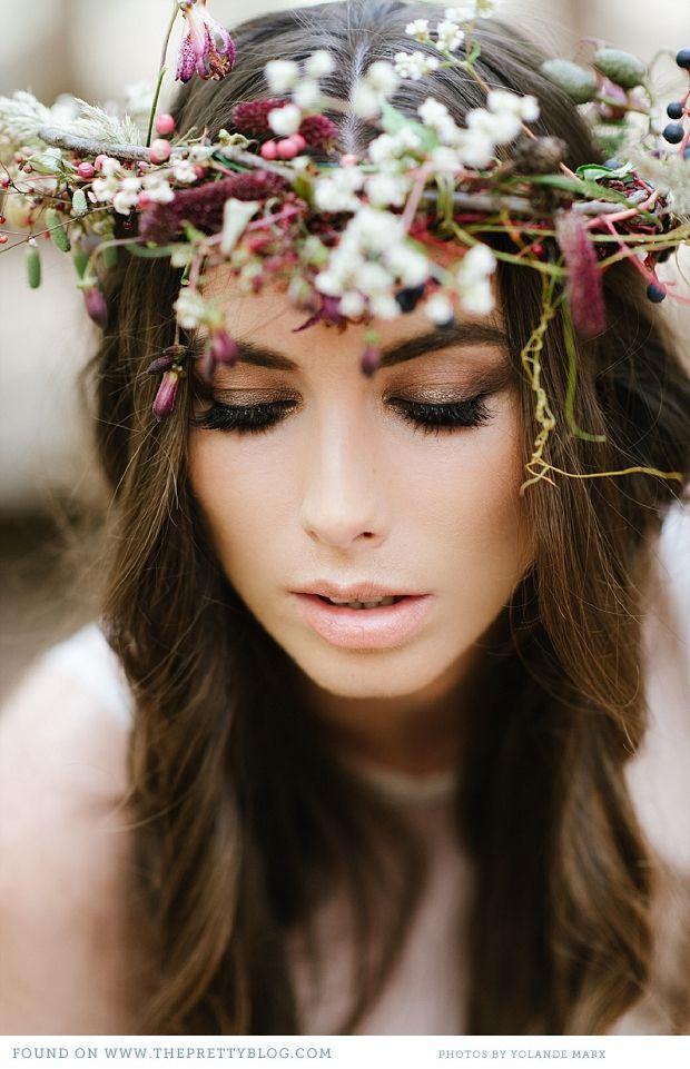 Floral headpiece | Photo: @Yolandé Marx Make-up: @Alicia Buckle Hair: Sanmarie
