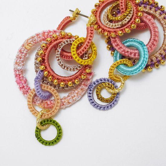 Stunning crochet earrings! #crochet #ganchillo