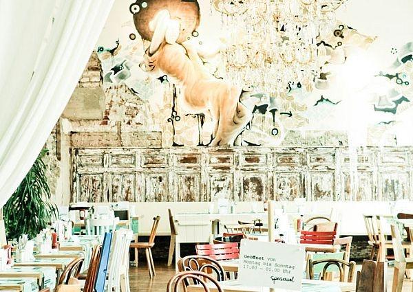 DAS Hotel in #Graz: Wiesler. Super Essen, Futonbetten und Streetart an den Wänden...