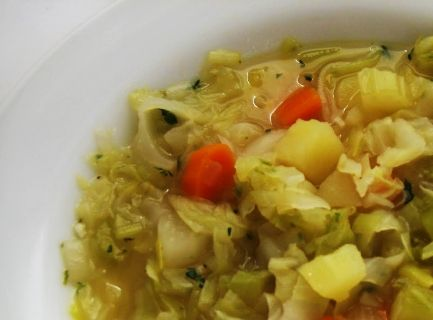 Cabbage & Vegetable Crockpot Soup..only 65 calories per 1 cup. : I'm looking for crockpot meals..that I can use the head of cabbage I bought in b4 it goes bad!