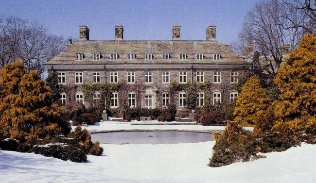 """Salutation House, a grand mansion located in Glen Cove on Long Island was the site used in the remake of the 1954 classic movie """"Sabrina"""""""