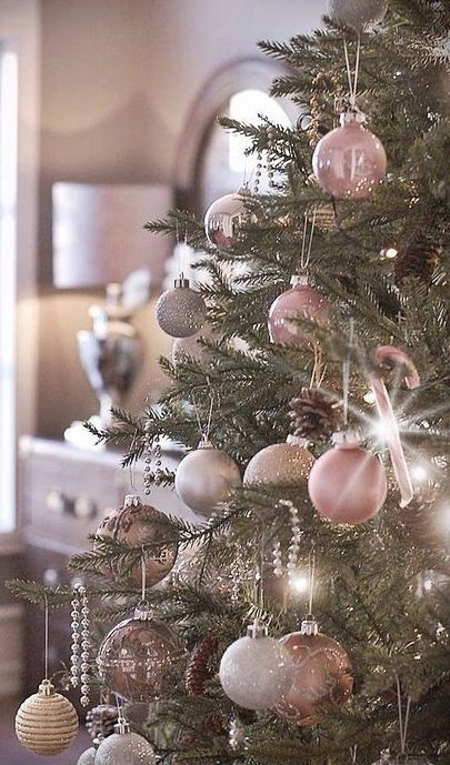 Pastel Christmas, #Christmas ball ornaments, pink, cream, elegance, #wonderful, fir tree, candy canes, decoration. Christmas glamour - Christbaumkugeln, Weihnachten, rosa, creme, Eleganz, wundervoll, Tannenbaum, Zuckerstangen, Dekoration, #Weihnachtszauber