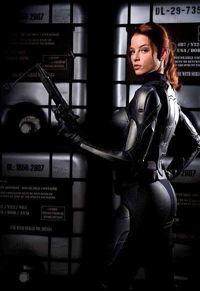 Movie Star Workouts   InStyle.com How Rachel Nichols got into fighting shape for GI JOE.