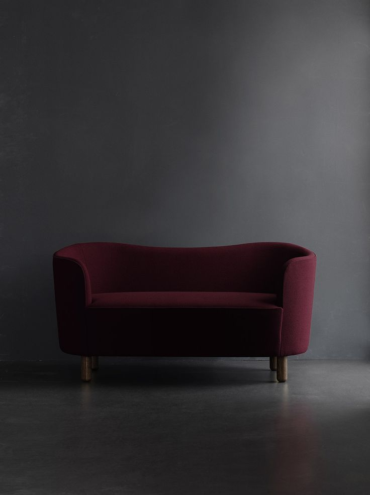 The Mingle sofa was designed in 1935 by architect Flemming Lassen (1902-1984)…