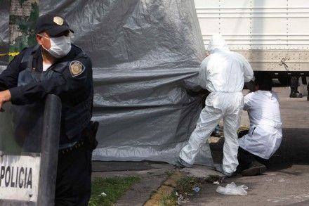 El traslado de los cuerpos hallados en San Fernando hace tres años. Foto: Benjamin Flores