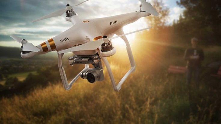 Mittels des Drohnen Versicherungsvergleichs von drohneversicherungsvergleich.de können Sie nicht nur Haftpflichtversicherungen für Drohnen vergleichen. Darüber hinaus präsentiert Ihnen die Seite auch zahlreiche preiswerte und leistungsfähige Versicherungsprodukte aus dem Bereich der Kaskoversicherung. Diese ist natürlich für alle Drohnen Halter empfehlenswert, sofern die Drohne neuwertig ist oder die verbaute Technik einen Wert von 500 Euro übersteigt.