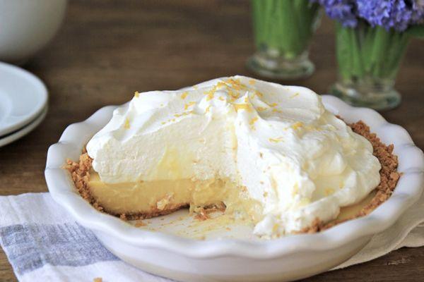Easy creamy lemon pie