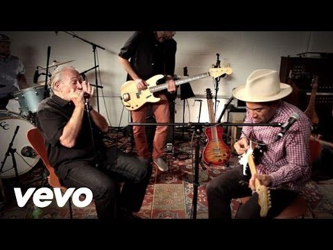 Ben Harper, Charlie Musselwhite - I'm In I'm Out And I'm Gone - YouTube