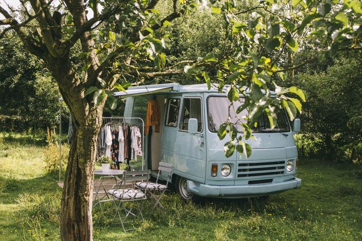 Nomadism is an wandering concept store. Where you can buy clothes, jewelry, home decoration, hats, shoes and so on. Gonneke, the owner of Nomadism imported this beauty from France to The Netherlands so she could chase her dream.