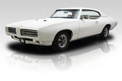 1969 Pontiac GTO White