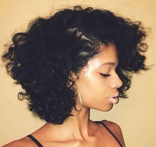 20 kurze Haarschnitte für schwarze Frauen Curly Bob Natural Style für runde Gesichter