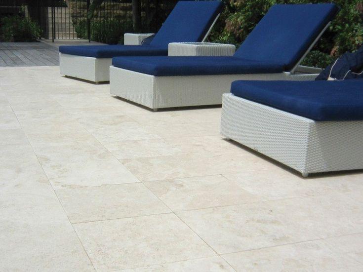 rev tement de sol en pierre naturelle 50 id es exquises travertin int rieur pinterest. Black Bedroom Furniture Sets. Home Design Ideas