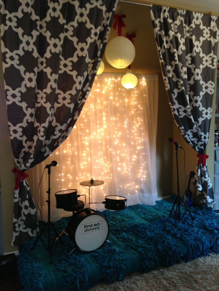 fun stage, can double as reading nook or just hang out in