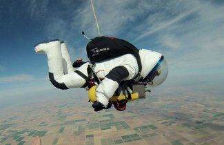 Record Skydive: New Suit Pioneered, Six Person Capsule Planned - AVweb flash Article