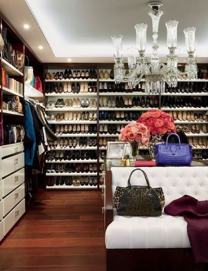 beautiful closet with plenty of shoe space. I'd love to change one of guest rooms into 'my space' just like this!!