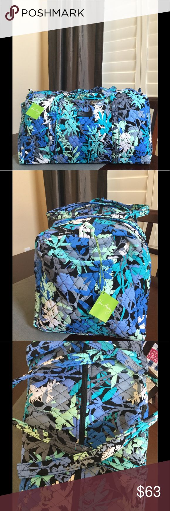 """NWT VERA BRADLEY LARGE DUFFEL Brand new with tags Vera Bradley large duffel  Camofloral pattern  15"""" strap drop Handy outside end pocket Folds flat for easy storing Dimensions 22"""" W x 11½"""" H x 11½"""" D - 15"""" strap drop  Smoke/pet free home Vera Bradley Bags Travel Bags"""