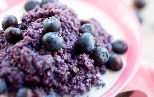 Gluteeniton mustikka-kvinoapuuro
