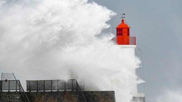 https://www.ouest-france.fr/meteo/tempete/tempete-carmen-les-plus-spectaculaires-images-de-nos-photographes-5480148