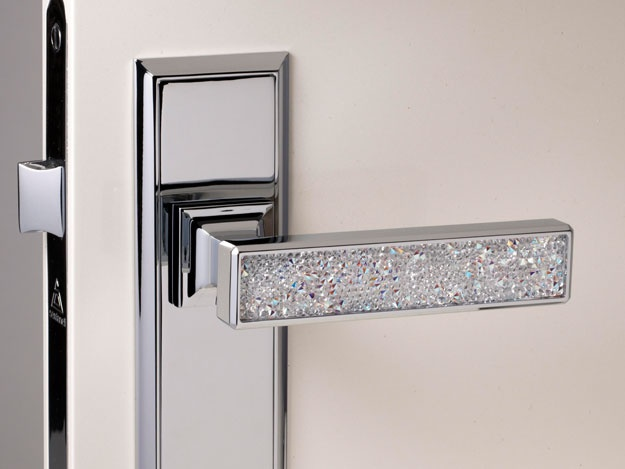 Swarovski crystals home decoration door knob. I really need this! Perfect for closet doors & 195 best knobs images on Pinterest | Lever door handles Door ...