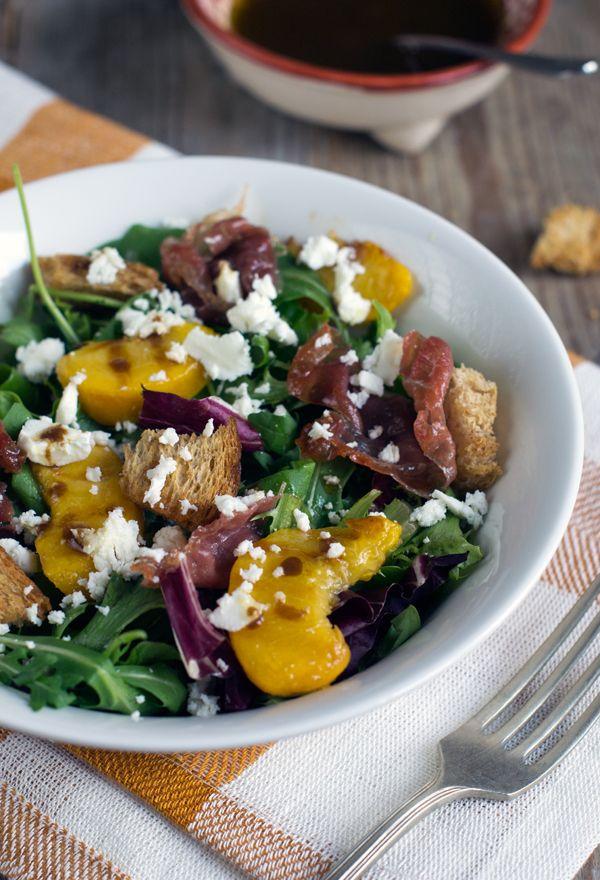 Salade met perzik en krokante prosciutto - Brenda Kookt!