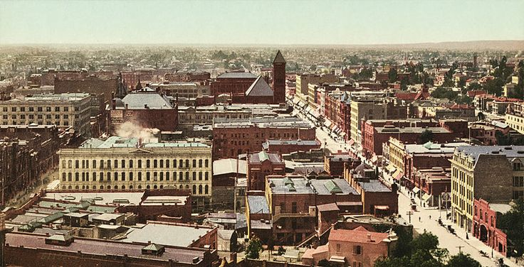 An aerial view of Los Angeles, 1890-1905.
