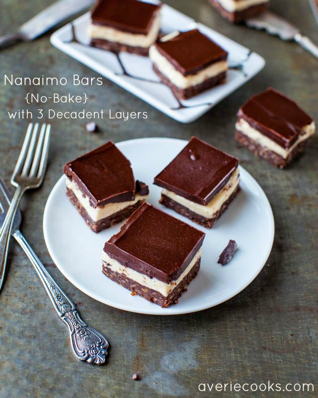 Nanaimo Bars. Lots of butter and 3 decadent layers later, these no-bake bars are rich, dense, indulgent, & a chocolate lover's delight: Nanaimobar, Nanaimo Bars, Avery Sunshine, Chocolates Desserts, No Bak Bar, Bar Recipes, Bar Cookies, Sunshine Avery, Bar No Bak