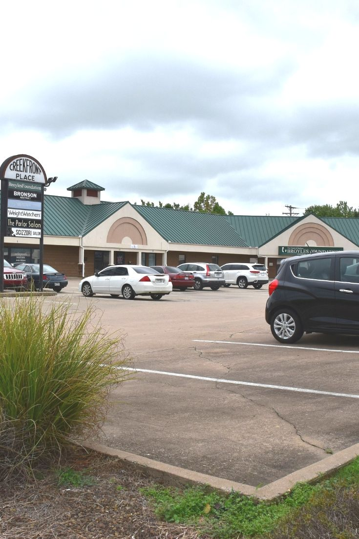Get Into Commercial Real Estate Investments In Northwest Arkansas With This 11 Unit Commercia With Images Commercial Real Estate Real Estate Investing Arkansas Real Estate