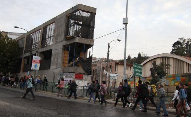 Terremoto magnitud 6.9 de Richter sacude regiones de Chile - http://www.notimundo.com.mx/portada/terremoto-chile-regiones/