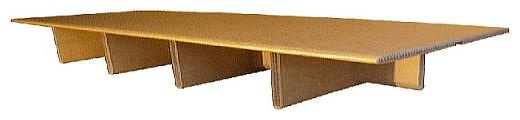Bett aus Pappe