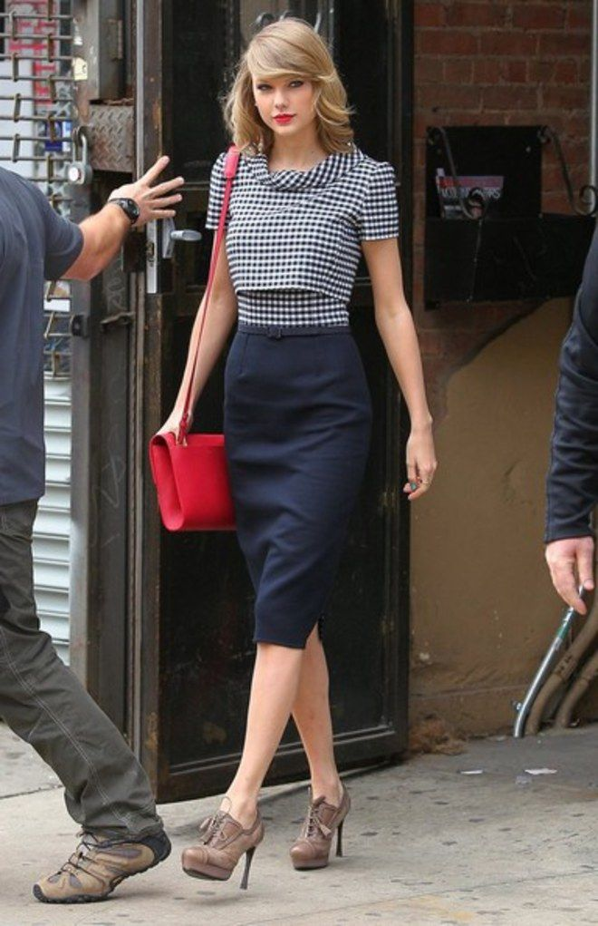 Inspire-se nos looks da Taylor Swift para montar sua produção de fim de ano