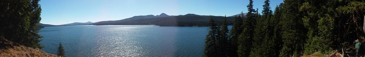 """Odell lake Oregon. 43.5664 N 121.9805 W Alis volat propriis (""""She flies with her own wings"""") [5808x912]"""