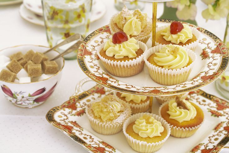 Cake stand and traditional cakes