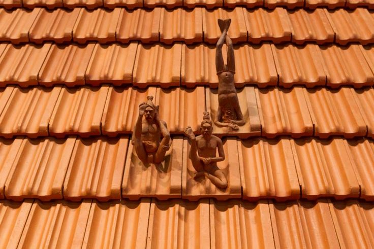 Artville Contemporary Artist of The Day  L.N.Tallur  Veni, Vidi, Vici (I came, I saw, I conquered) 2&3 Media: Terracotta roof tiles, iron, photographs; Mission 21 archives Basel, wall text Size: 165 x 925 x 367cm