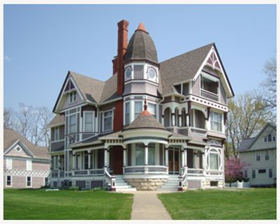 I saw this Victorian on a recent trip to IA-gorgeous!