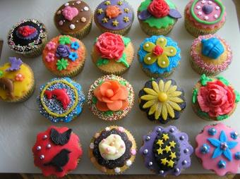 Google Afbeeldingen resultaat voor http://pippy.nl/media/media/cupcakes.jpg