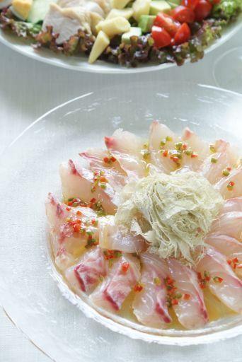 「鯛のカルパッチョ とろろ昆布のせ(レシピ)」「スペアリブ」「コブサラダ